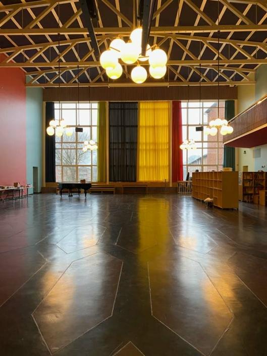 Lundehusskolen aula vinduesparti